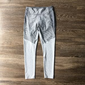 Outdoor Voices 7/8 Gray Tri-Toned Leggings Medium